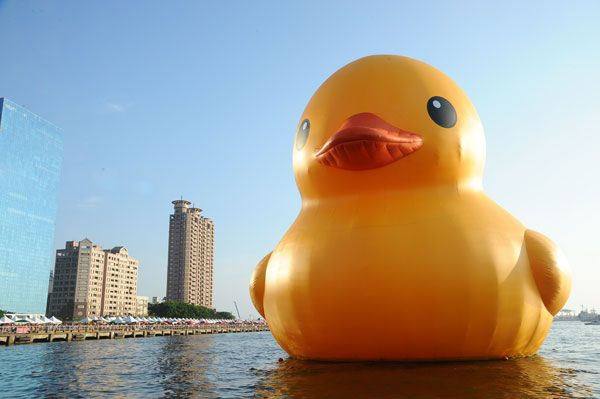 © 'Rubber Duck' by Florentijn Hofman, 2013