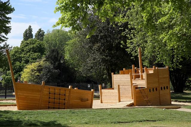 Ship ahoy in Battersea Park