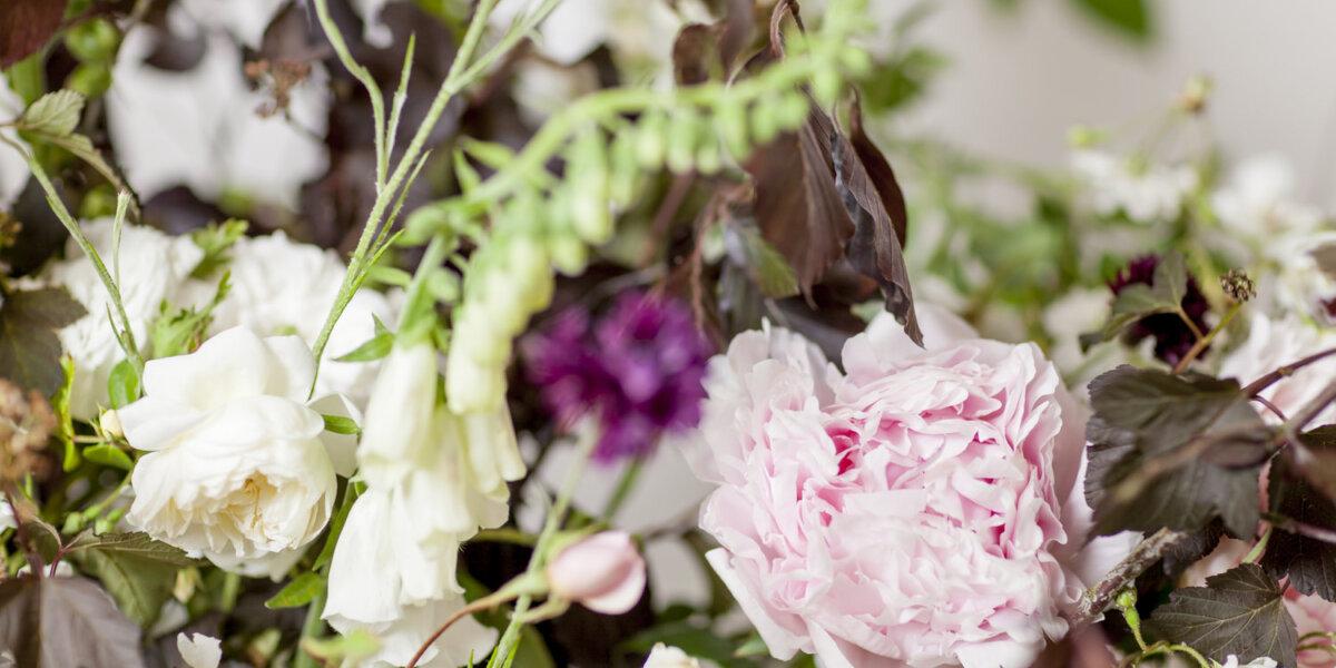 British-Flowers-Week-2017-Jennifer-Pinder-urn-New-Covent-Garden-Flower-Market+(4)