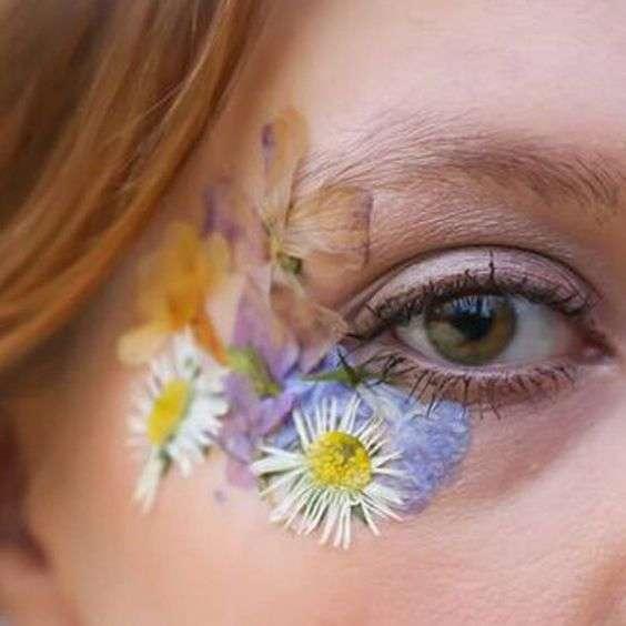 pressed-flower-facial
