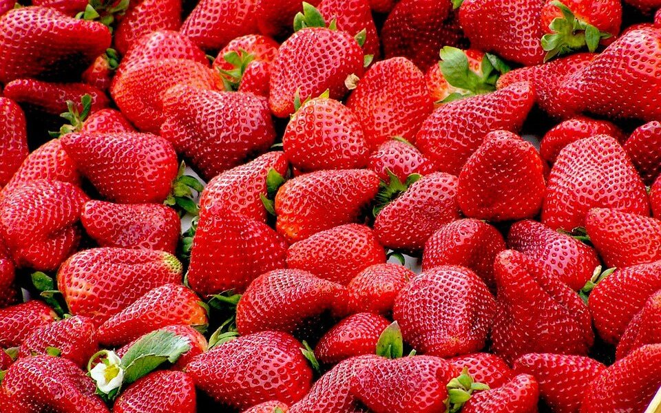 strawberries-99551_960_720